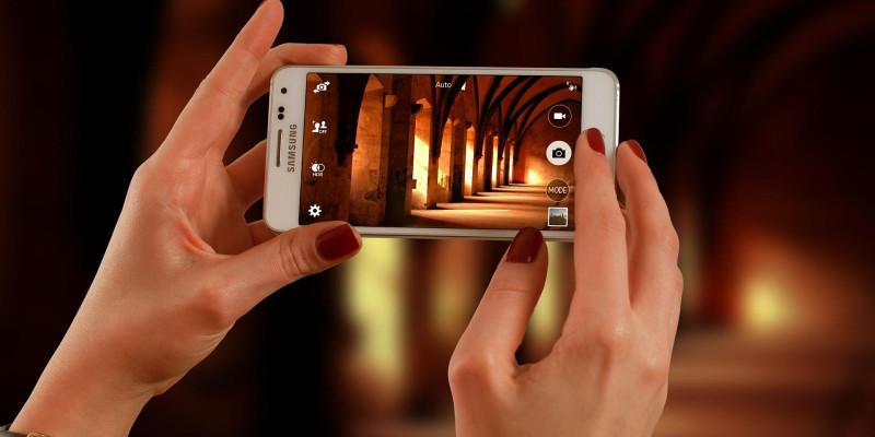 É possível gravar vídeos de qualidade usando apenas um smartphone?